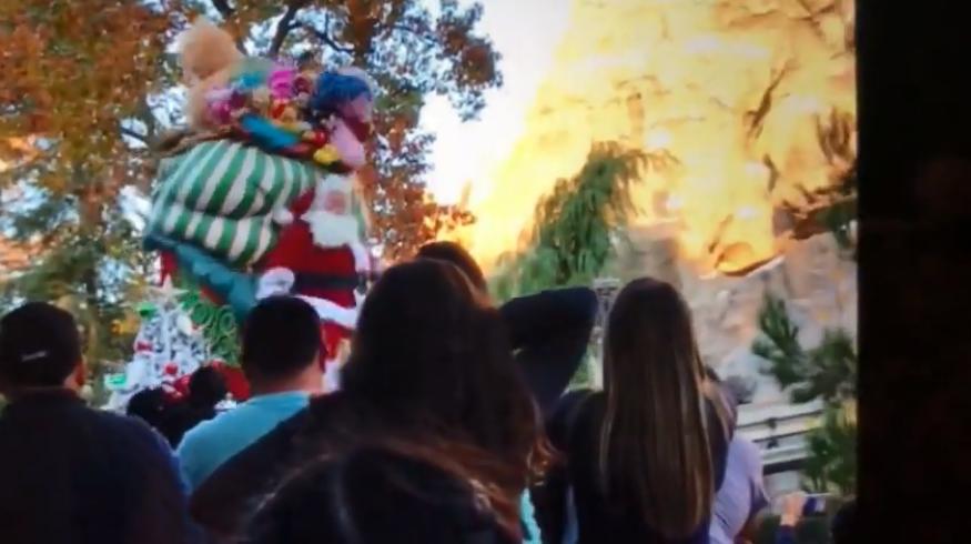 santa falls off float